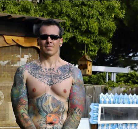 640px-Male_Body_Tattoo