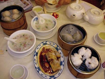 Dimsum_breakfast_in_Hong_Kong